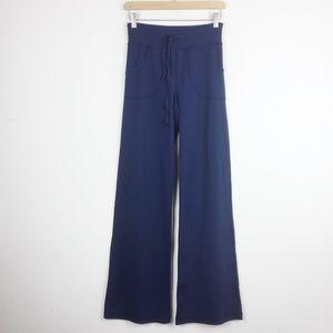 Lululemon wife leg pants navy blue medium size 6